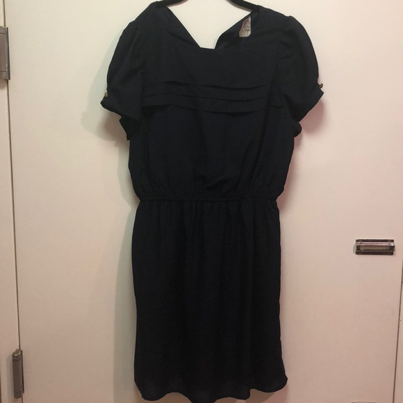 Francesca's Collections Dresses & Skirts - *NEW* Cap Sleeve Pleated Dress